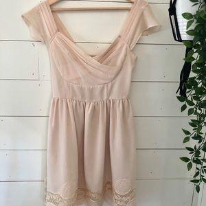 ModCloth Sweetheart Chiffon & Lace Dress - sz s